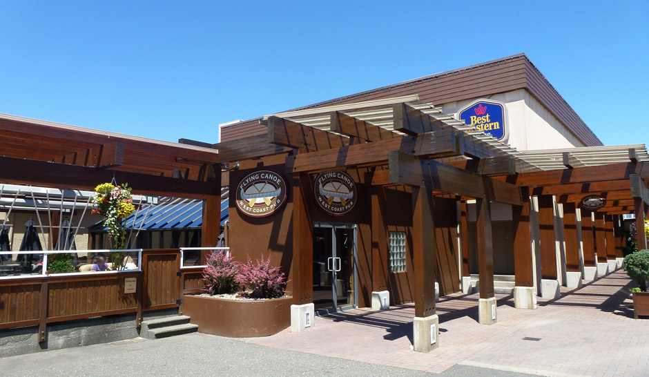 Flying Canoe West Coast Pub Courtenay BC