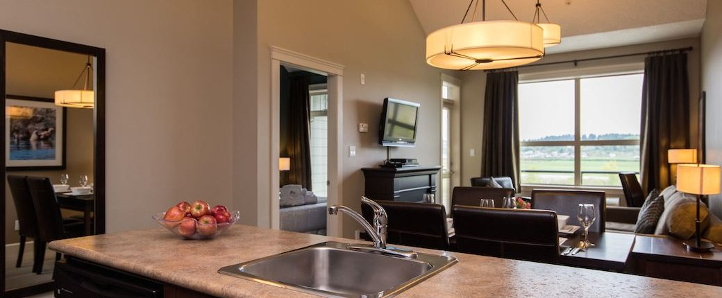 One Bedroom Suite Courtenay Hotels