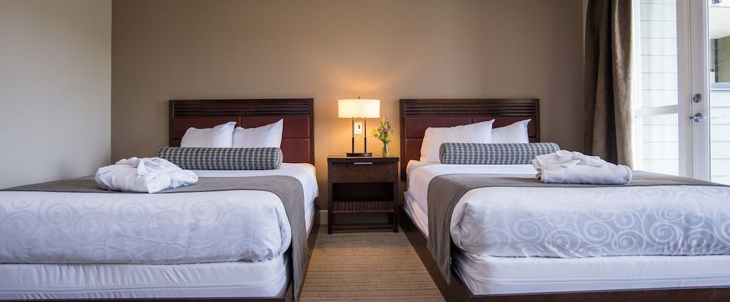 Courtenay Accommodations Studio Suite 2 Double Beds At